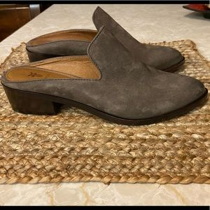 COPY - Super cute and comfy! Chocolate & charcoal…